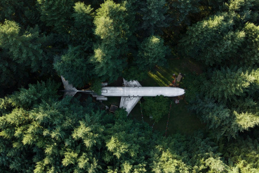 Airplane Home - Photo by Dan Meyers