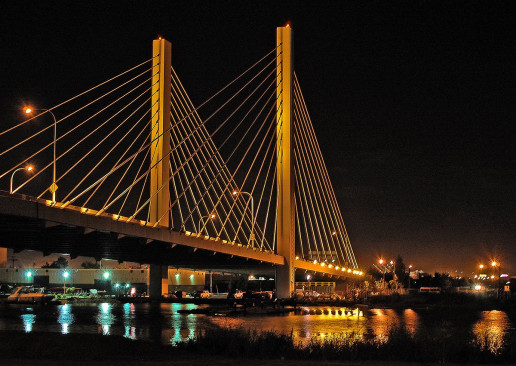 East 21st Street Bridge - Photo by Afreeman