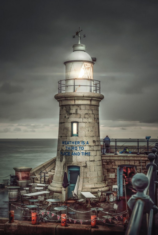 Folkestone Lighthouse - Photo by Zoltan Tasi