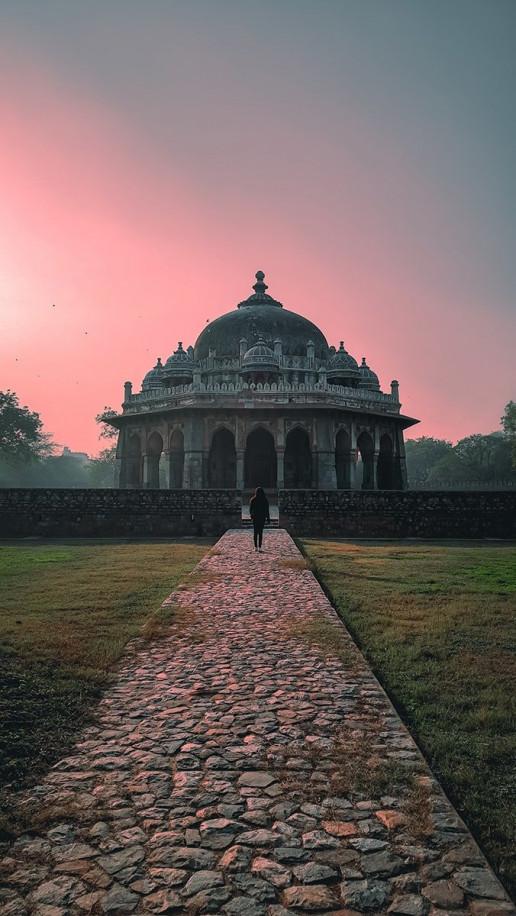 Isa Khan's Tomb - Photo by Ankit Sharma