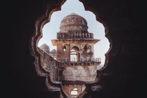 Jahaz Mahal - Photo by Bhaumik Shrivastava