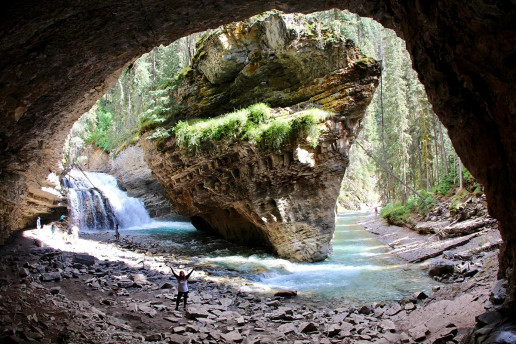 Johnston Canyon Cave - Photo by daveynin