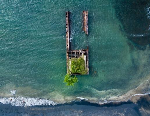 Old Shipwreck - Photo by Berti Benbanaste