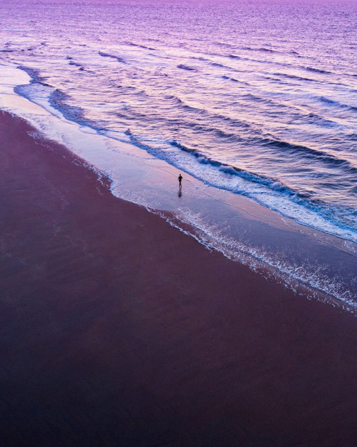 Strand Oostende - Photo by Dan Asaki