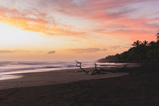 Tortuguero Beach - Photo by Etienne Delorieux