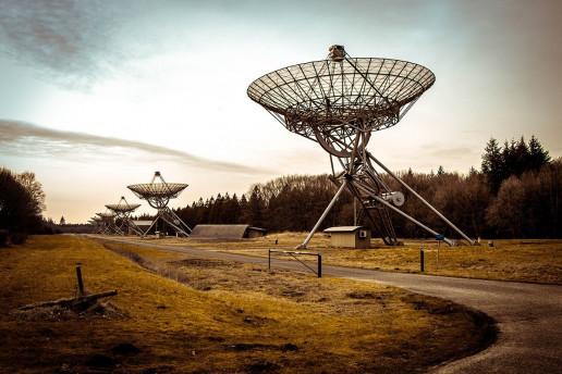 Westerbork Synthesis Radio Telescope - Photo by Matthias Groeneveld