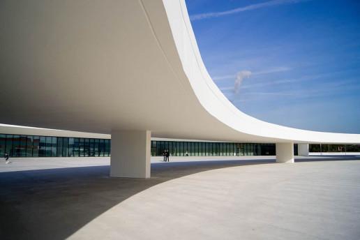 Centro Niemeyer - Photo by Juan Gomez