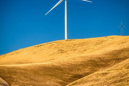 Altamont Pass Wind Turbine - Photo by Baron Reznik