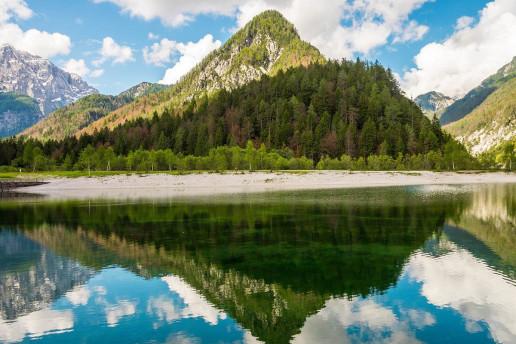 Jezero Jasna by Melanie Erhard