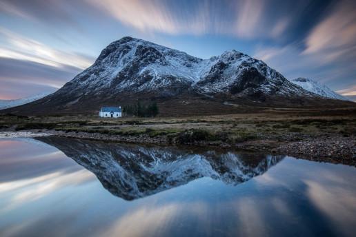 Lagangarbh Hut by Kevin Hall