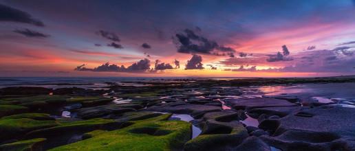 Pulukan Beach by Marek Okon