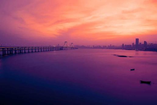 Xinghaiwan Bridge by Wade Meng